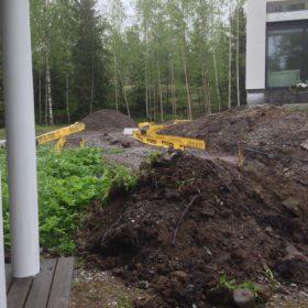Maanmuokkaus ennen terassia pk-seutu SPB Group Helsinki Oy