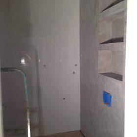 Seinäpintojen uusiminen kylpyhuoneeseen SPB Group Helsinki Oy