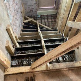 betonivaletut portaat ja tasanne muottien rakentaminen vaiheessa SPB Group Helsinki Oy